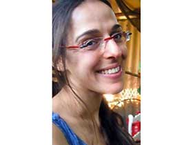 דנה מרואלי-טיפול בהבעה ויצירה בנס ציונה