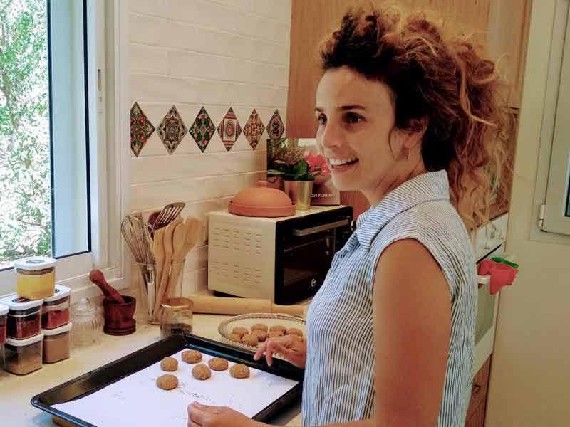מיכל מוזס - עובדת סוציאלית ומטפלת בבישול