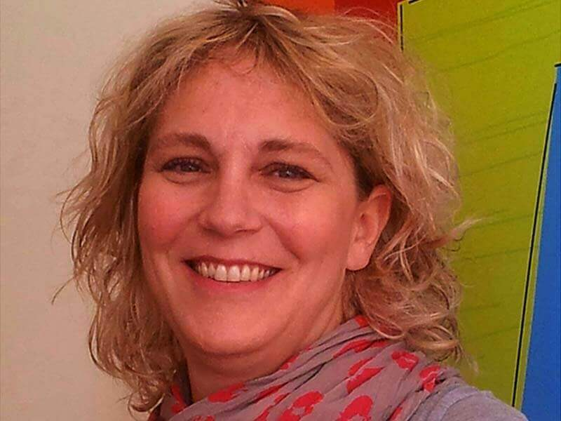 שרון האס-שופטי - עובדת סוציאלית גרונטולוגית, מדריכה ומייעצת לאנשי מקצוע