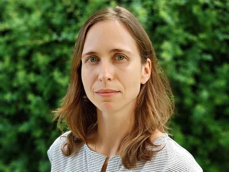 הילה גיל רוזנבלום - פסיכולוגית קלינית מומחית למבוגרים, מתבגרים וילדים